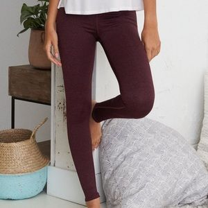 5 / $25 - Aerie maroon leggings